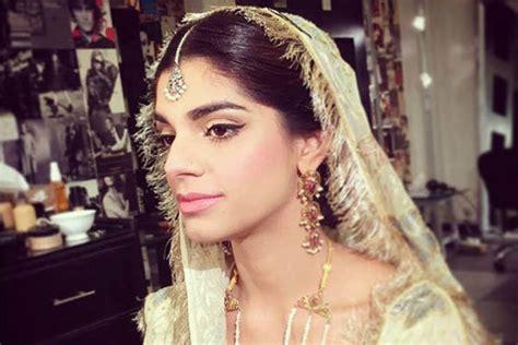 جولولي زواج نجمة بوليوود سنام سعيد من صديق طفولتها صور