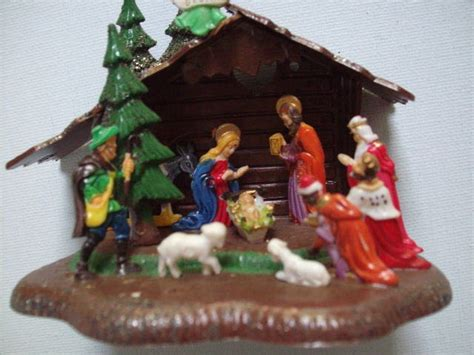 small nativity figures vintage 1950 s 1960 s miniature plastic nativity classic display with box