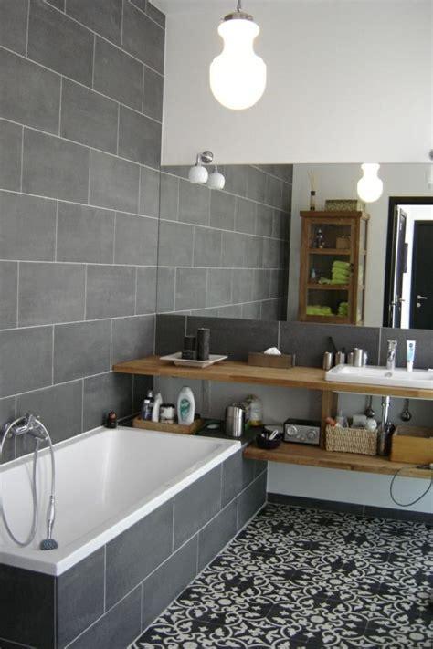 salle de bain gris et 17 meilleures id 233 es 224 propos de tapis de salle de bain sur tapis de salle de bains