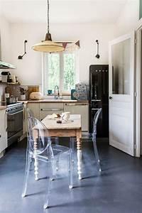 Chaise Moderne Avec Table Ancienne : relooker une cuisine 10 touches d co au top c t maison ~ Teatrodelosmanantiales.com Idées de Décoration