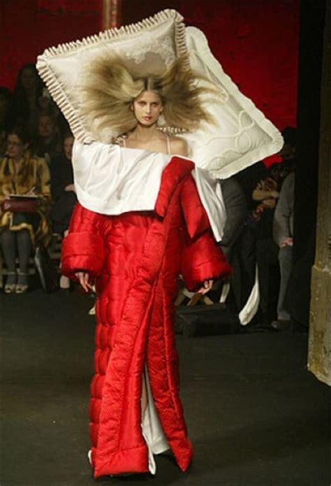 viktor rolfs  label silk duvet robe  pillow