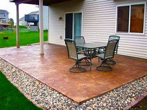 Diy backyard patio ideas cheap makeovers for on a budget for Diy concrete patio ideas