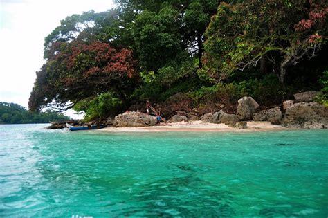 heaven earth pulau tiga maluku