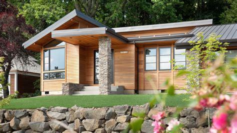 contemporary house plan    sqft  beds  baths