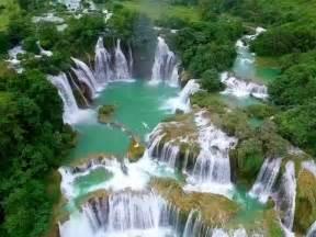 ban  gioc detian china wietnam   waterfalls located