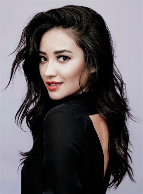 Pin by 𝕔𝕙𝕩𝕞𝕡𝕩𝕘𝕟𝕖 on Pretty Little Liars   Shay mitchell ...