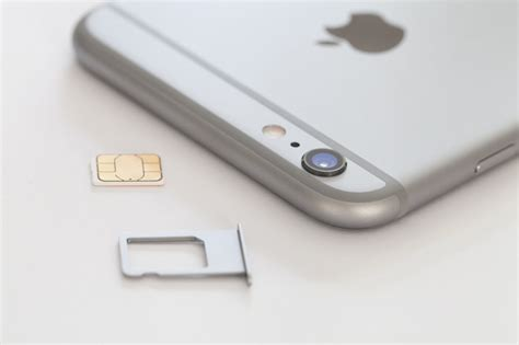 sim card for iphone 6 iphone 6 6s plus how to insert remove a sim card doovi