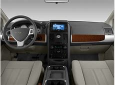 2008 Chrysler Town & Country Reviews and Rating Motor Trend
