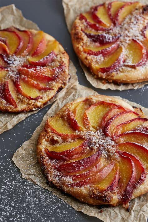 Persiku un mandeļu tartes - Pie Galda!   No cook desserts ...