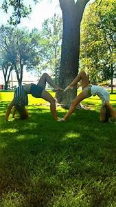 Cute Best Friend Poses | Best friend poses I want to do ...