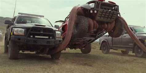 videos de monster trucks chegou o primeiro trailer de quot monster trucks quot