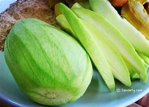 Green Mango and Tamarind Snacks