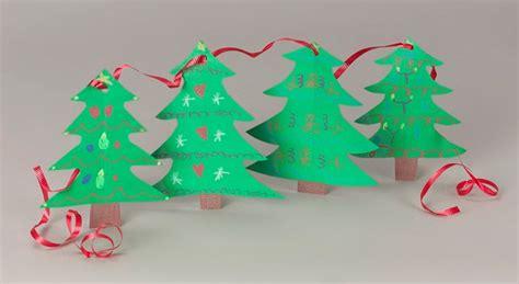 christmas tree garland craft crayola com