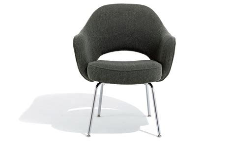 Saarinen Executive Arm Chair With Metal Legs