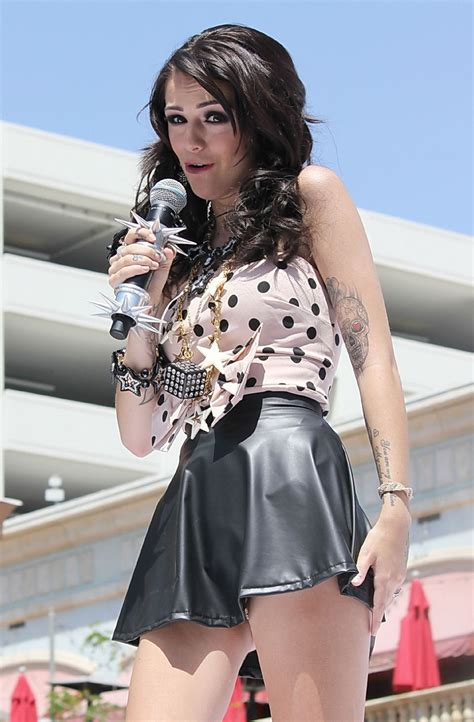 Cher Lloyd Upskirt Flashing Her Leopard Print Panties