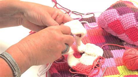 crochet tunisien assembler des lignes de carr 233 s pour le fond l atelier edisaxe