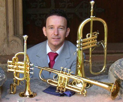 Wolfgang Huhn Diplom-Musiker -⊂iii⊃ Trompete - Tp Solo