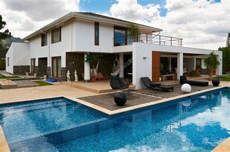 Moderna Casa Grande Com Piscina