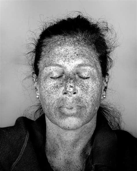 Des Portraits Ultraviolets