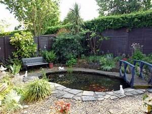 Kleine Gartenteiche Beispiele : gartenteiche bereichern ihren garten mit einer magischen wirkung ~ Whattoseeinmadrid.com Haus und Dekorationen