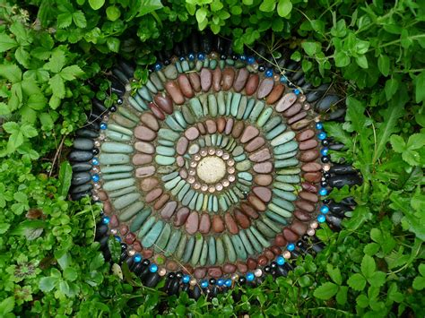 Stepping Stones Garden by Jeffrey Bale S World Of Gardens Building A Pebble Mosaic