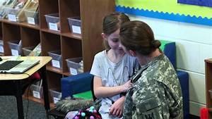 Soldier Surprises Daughter in Second Grade Classroom ...