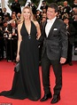 Antonio Banderas and girlfriend Nicole Kimpel pack on the ...