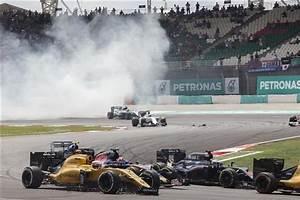 Pilote Formule 1 Mort : formule 1 d c s du l gendaire pilote britannique john surtees ~ Medecine-chirurgie-esthetiques.com Avis de Voitures