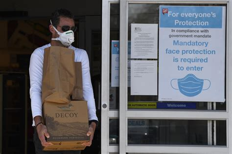 COVID-19: NY orders masks, cloth coverings in public