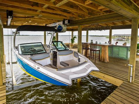 Sling Style Boat Lift by Dock Pictures From Cabin 2014 Diy Network