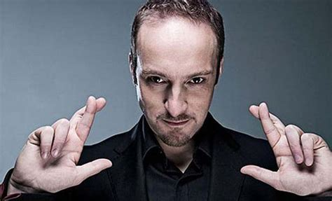 Top 30 Famous Magicians With Shocking Magic Tricks
