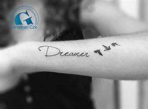 Ecriture Tatouage Femme : tatouage criture femme graphicaderme ~ Melissatoandfro.com Idées de Décoration