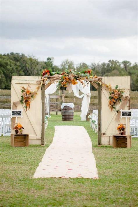 10 Rustic Old Door Wedding Decor Ideas If You Love Outdoor