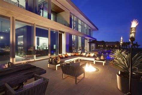 oceanfront modern marvel  luxury home  sale  vero