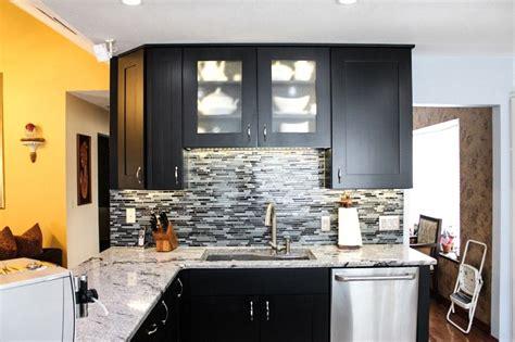 kitchen wall backsplash bridgewood advantage fontana door style black finsih 3445