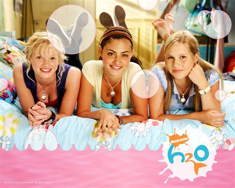 Emma Cleo And Riki H2o Just Add Water Wallpaper