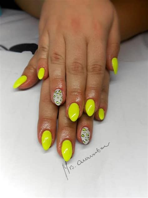 neon nails    perfectly    tanned skin