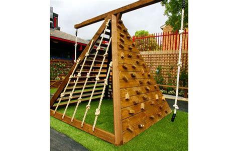 Diy Backyard Forts - 10 diy backyard forts for activekids