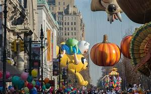 Macy's Thanksgiving Day Parade gives 90 years of oversized ...