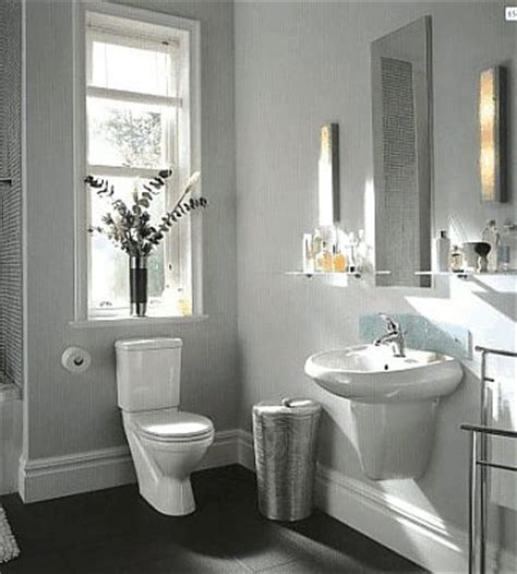 twyford view bathroom suite lends   compact area
