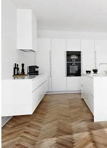 Holzdielen In Der Küche : kochinsel ma e wie gro ist der ideale abstand zwischen k chenzeile und k cheninsel k che ~ Markanthonyermac.com Haus und Dekorationen
