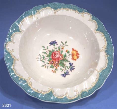 Royal Doulton Kingswood Vintage Fruit Bowl / Serving Dish Pattern D6301 ? SOLD: Collectable China