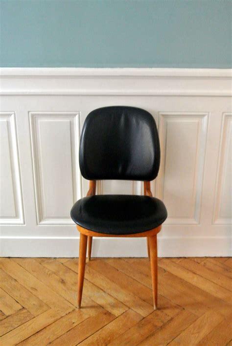 bureau de poste lyon 8 chaise en bois et skai guariche ées 60
