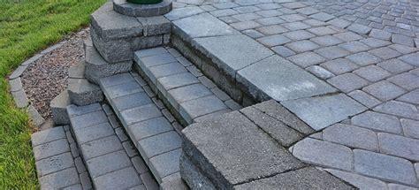 how to build a paver patio how to build paver patio steps doityourself