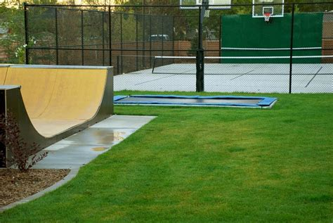 troline skateboard backyard half pipe 28 images backyard half pipe skate