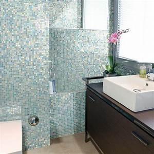 Badfliesen Ideen Kleines Bad : badezimmer mit mosaik gestalten 48 ideen ~ Bigdaddyawards.com Haus und Dekorationen