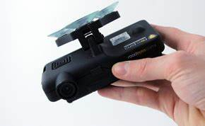 Camera De Surveillance Pour Voiture : roadeyes la cam ra embarqu e pour votre voiture darty vous ~ Medecine-chirurgie-esthetiques.com Avis de Voitures
