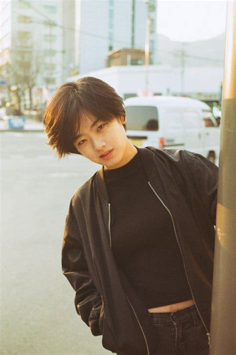 lee joo young picture  korean short hair