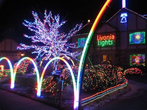 christmas light displays near you here are the best lights to see near detroit