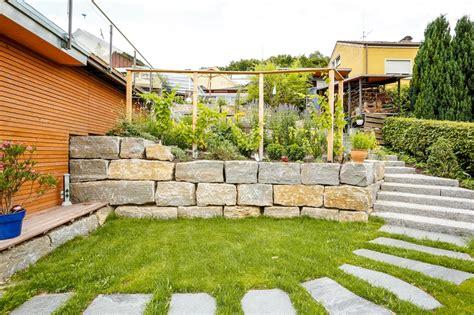 Mörtel Für Natursteinmauer by Natursteinmauer Im Garten Einsetzen Mit Meister Meister